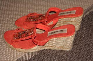 Zheng Mei's Shoes